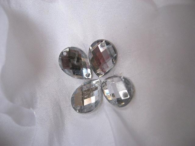 845d53705 Dostaly se mi do rukou svatební šaty ušité v Číně. Takové ty jak si  objednáte