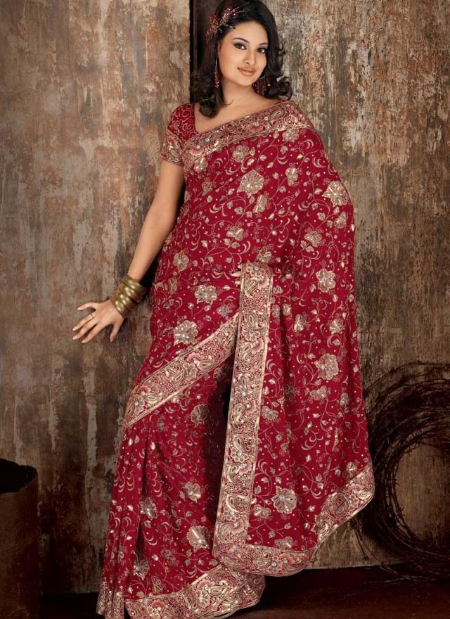 Při nákupu indického svatebního oblečení  • indické svatební šaty jsou  nádherné a velmi elegantní. • šaty pocházejí v tisících odrůd 5e06aff5180