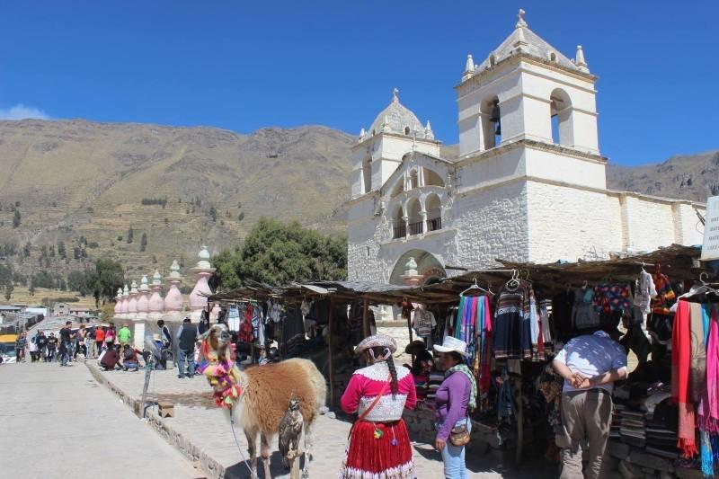 Prakticky na každém trhu v Peru najdete výrobky z alpaky. Zdroj: archiv Matouše