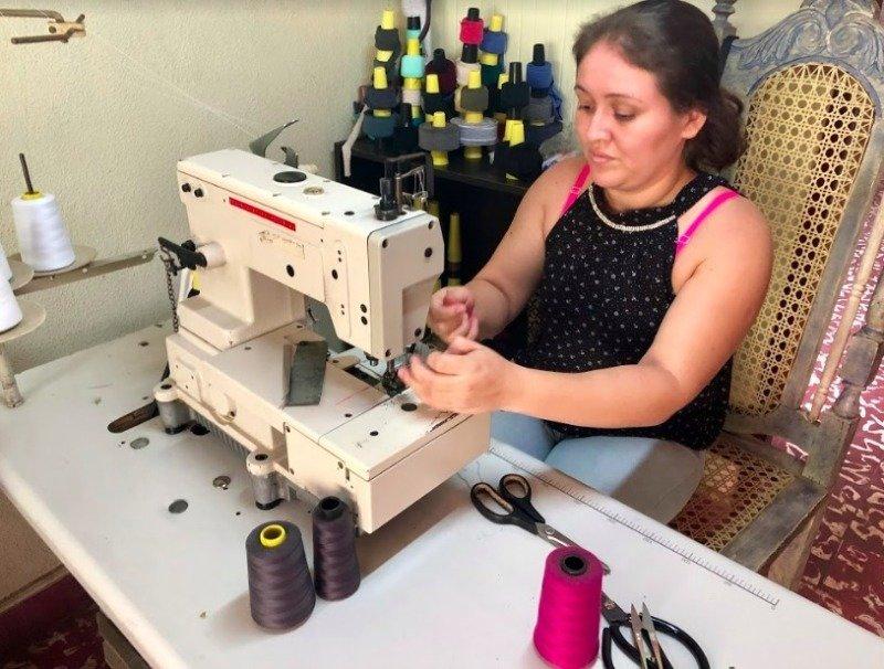 Švadlena Francis pracuje ve firmě už tři roky a je spokojená.
