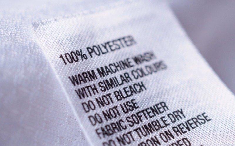 Přečtěte si článek Polyesterová čistka aneb genocida mého oblečení.