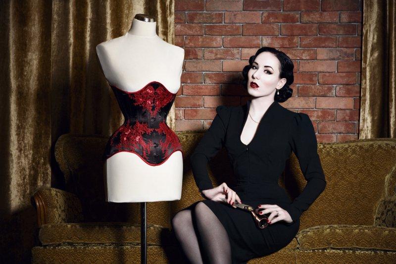 Riwaa Nerona se věnuje šití korzetů pro vystoupení i k častému nošení. Autor foto: Danny Worm